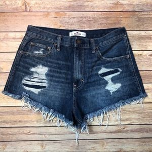 🔴Hollister Distressed High Rise Jean Shorts